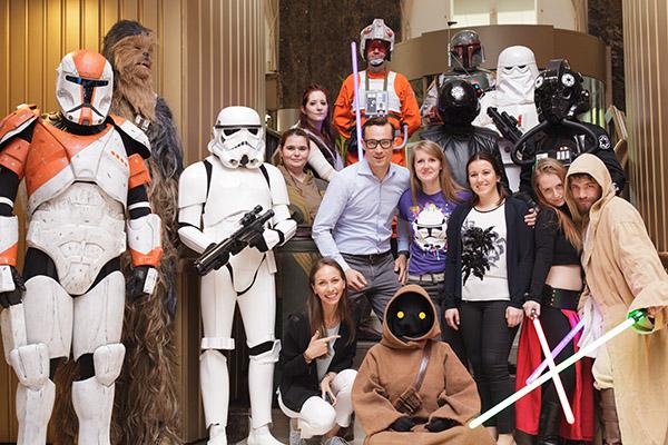 Andreas wünscht sich für einen Tag, Star Wars haut nah zu erleben. Make-A-Wish erfüllt ihm diesen Wunsch zusammen mit dem Ritz Carlton, der 501st Legion Austrian Garrison und vielen mehr